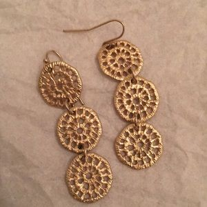 Wire earring with hanging triple design